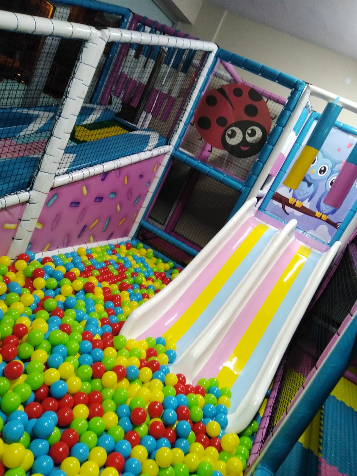 Candy Theme Soft Play, Ball Pool and Trampoline Project
